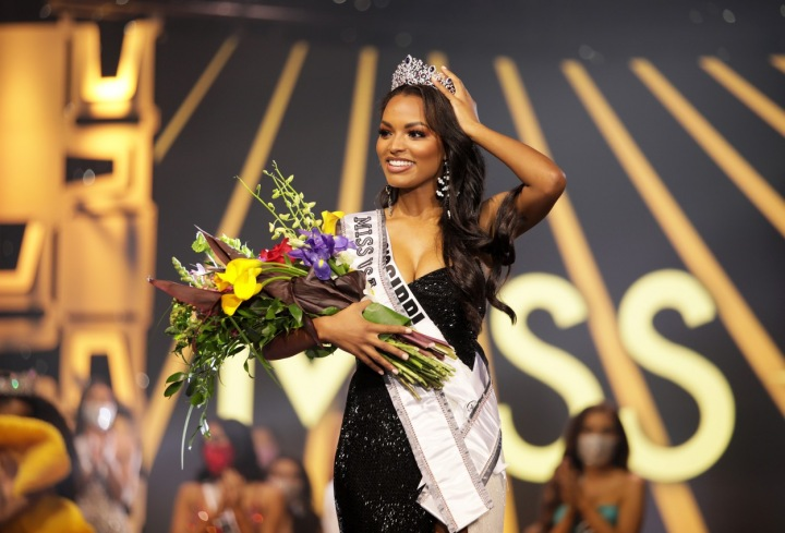 Nová Miss USA Asya Branch