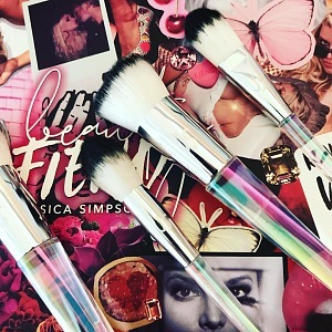 Make-up collection by Jessica Simpson