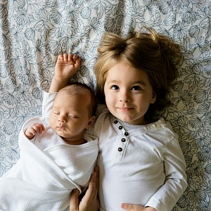 Some mothers believe that children should be infected with the virus.